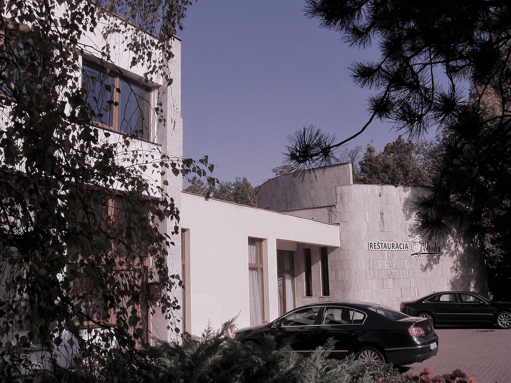 Projektovanie administratívnych priestorov a stavieb
